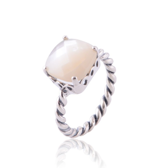 PANDORA Sincerity with Mother of Pearl Stackable Ring
