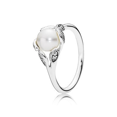 PANDORA Luminous Leaves With Pearl And Clear CZ Ring